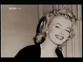 MARILYN MONROE - The Prince the Showgirl and Me Colin ...